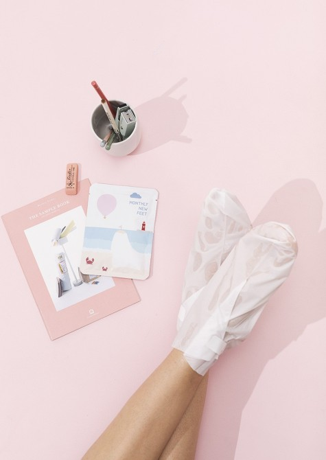 MONTHLY NEW FEET FOOT EXFOLIATION MASK