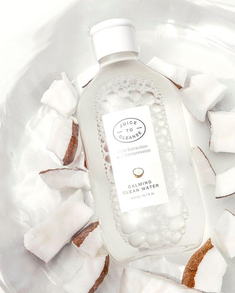 lista de superalimentos: agua micelar coreana con coco